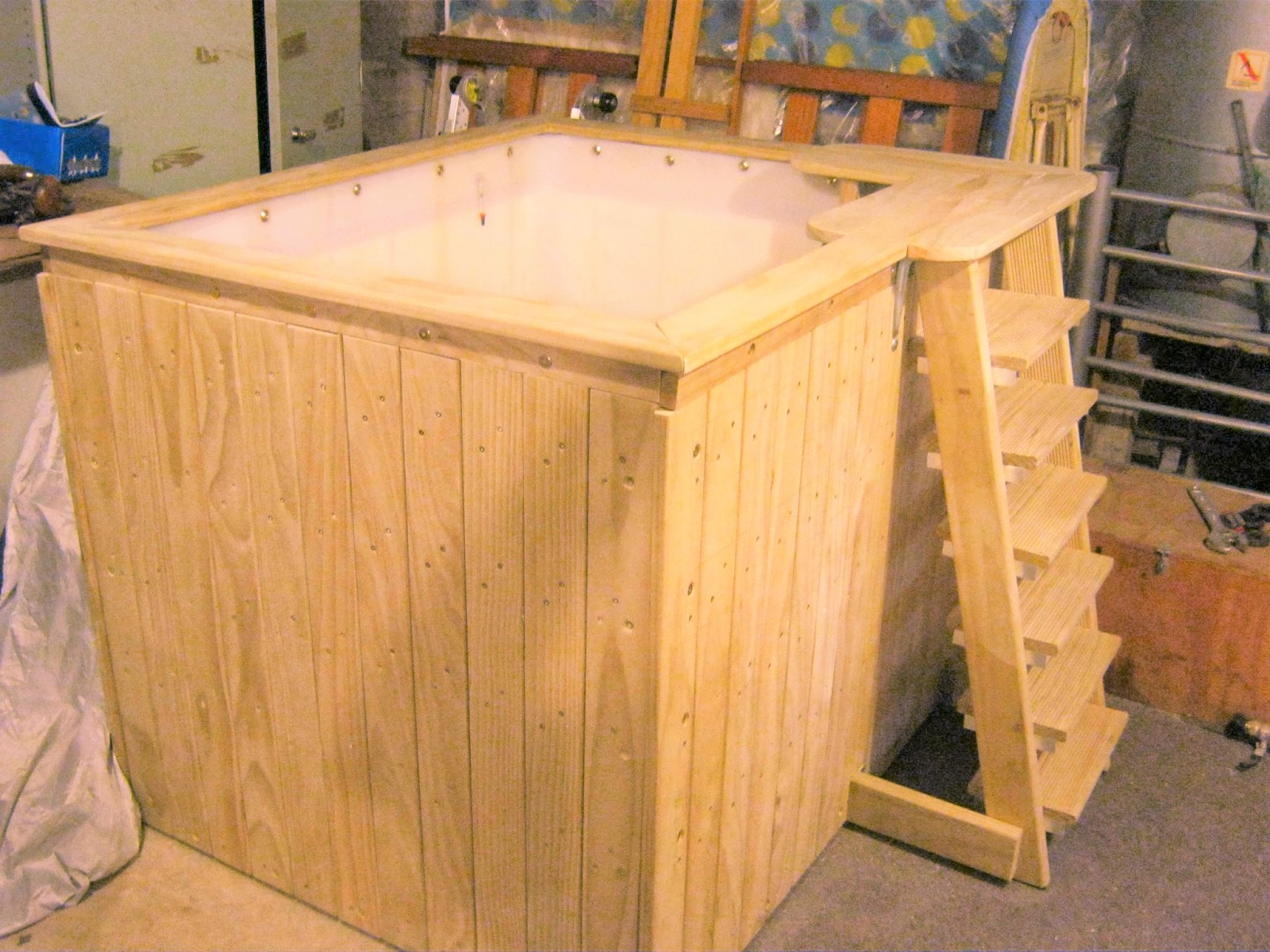 IBC Tote Hot Tubs: DIY Personal-Sized Fun for Less Than $200 - Easy ...